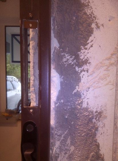 Κοπή του κασώματος της πόρτας και εγκατάσταση του ηλεκτροπύρου